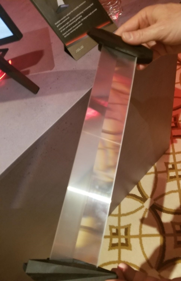 60540_04_asus-debuts-bezel-free-monitor-kit-ces-2018_full